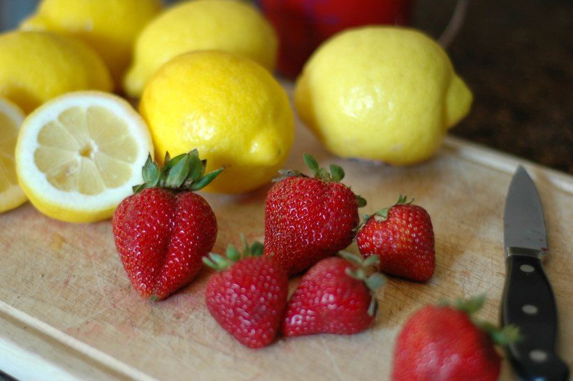 strawberry-lemon-pops-1-of-1-3